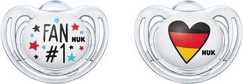 Nuk 10177118 Freestyle Silikon-Schnuller Fußball-Edition, kiefergerechte Form, 18-36 Monate, 2 Stück, mehrfarbig