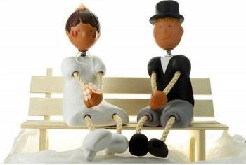 Jullar Tortendekoration Brautpaar auf Bank- einzeln