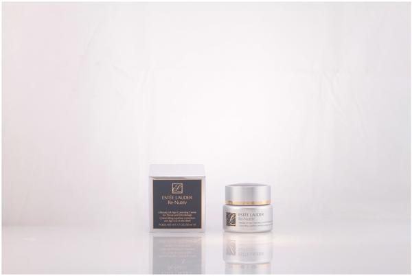 Estée Lauder Re-Nutriv Ultimate Lift Age-Correcting Creme für Hals- und Dekolleté (50ml)