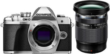 Olympus OM-D E-M10 Mark III Kit 12-200 mm silber