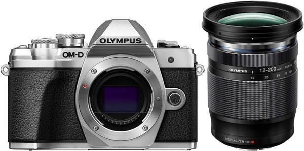 Olympus OM-D E-M10 Mark III Kit 12-200 mm silber