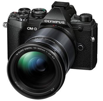 Olympus OM-D E-M5 Mark III Kit 12-200 mm schwarz
