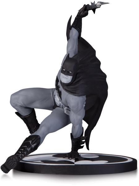 Dc Collectibles Batman Black & White - Batman by Bryan Hitch