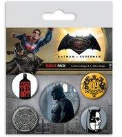 Close Up Batman vs Superman Button Set