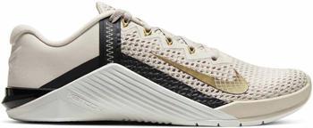 Nike Metcon 6 Women light orewood brown/dark smoke grey/metallic gold
