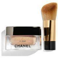 chanel-creme-makeup-f-er-ultimative-regeneration-und-leuchtkraft