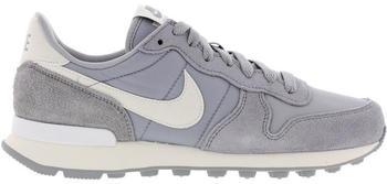 Nike Internationalist wolf grey/summit white/summit white/sail