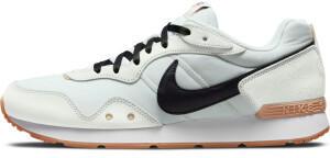 Nike Venture Runner sail/black/light bone/gum light brown